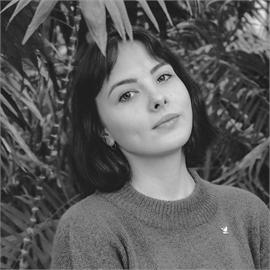 Анна Семиколенова