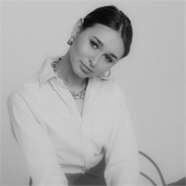 Алина Огурцова