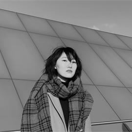 Есения (Сен Хи) Ли